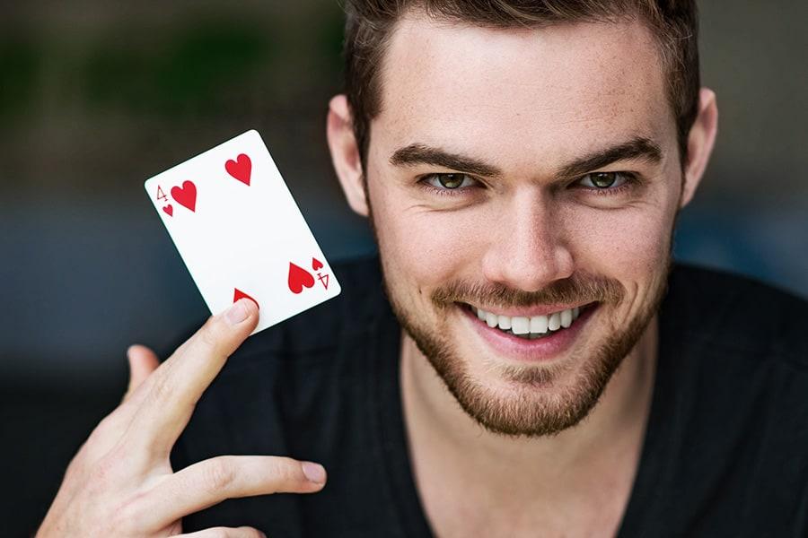 Buchen Sie jetzt den Zauberer Ben David.